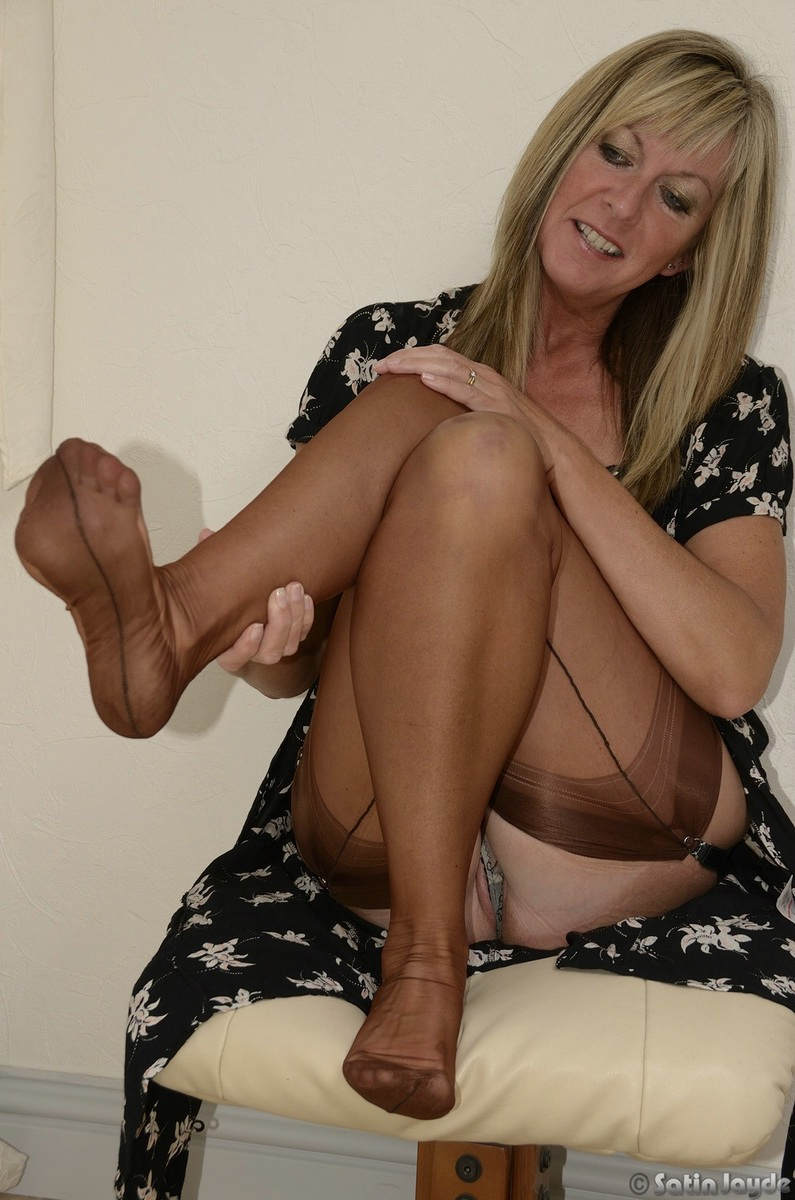 stocking glamour milf